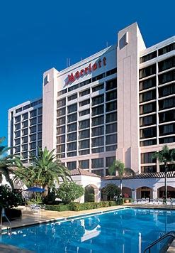 marriott palm gardens new year s at club safari promises to be a to