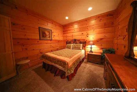 3 bedroom hotels in pigeon forge tn pigeon forge cabin almost heaven 3 bedroom sleeps 14