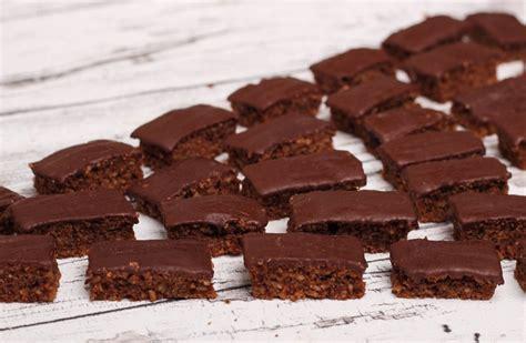 schokoladenbrot zucker stueckchen