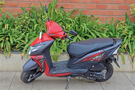pin  gaadikey  bikes dios honda bike photo