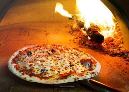 clay firebrick wood fired outdoor pizza  bread ovens