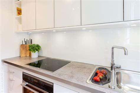 Rückwand Für Eine Weisse Küche, Eine Küchenrückwand Aus