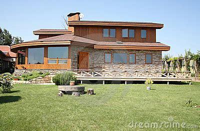la maison de cedre maison de c 232 dre photographie stock libre de droits image 15367027