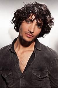 Coupe Cheveux Homme Long : coupe de cheveux homme mi long boucl ~ Mglfilm.com Idées de Décoration