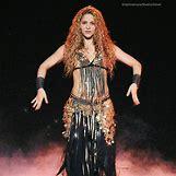Daniella Semaan Shakira   736 x 736 jpeg 140kB