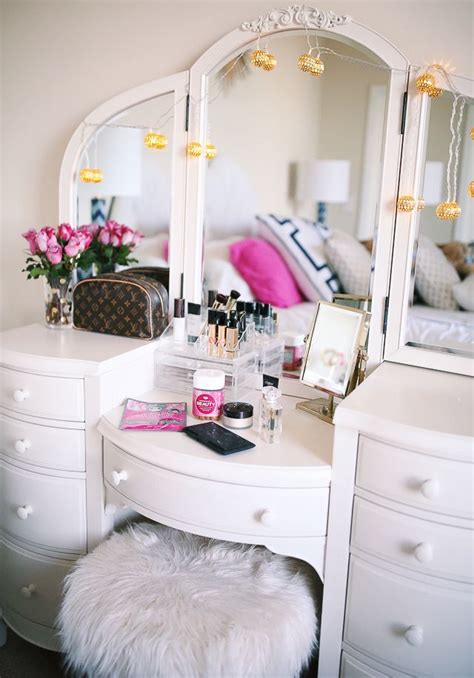 vanity ideas for small bedrooms best 25 vanities ideas on pinterest 20062 | 87dcb857f4b07136f2c2ad69e751f3fb vanity decor vanity room