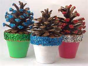 Pine Cone Christmas Tree Decorating Ideas by Last Tweets About Activite Manuelle Noel