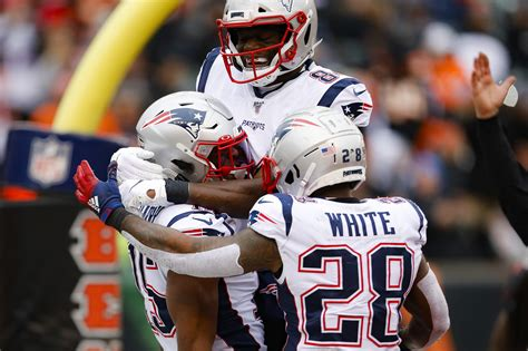 TAPE THAT: Pats earn complete win vs. Bengals - Sports ...