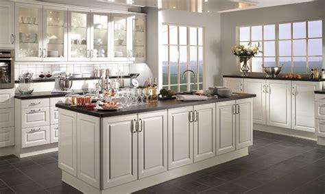 modele cuisine en u modele cuisine avec ilot cuisine moderne et design avec