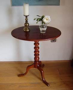Antike Tische Rund : mobiliar interieur tische antike originale vor 1945 beistelltische antiquit ten ~ Frokenaadalensverden.com Haus und Dekorationen