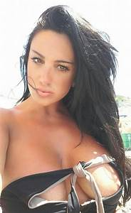 Marika Fruscio Nip Slip Selfies Al Mare Pozzuoli Kanoni 1 Marika Fruscio Pinterest Selfies