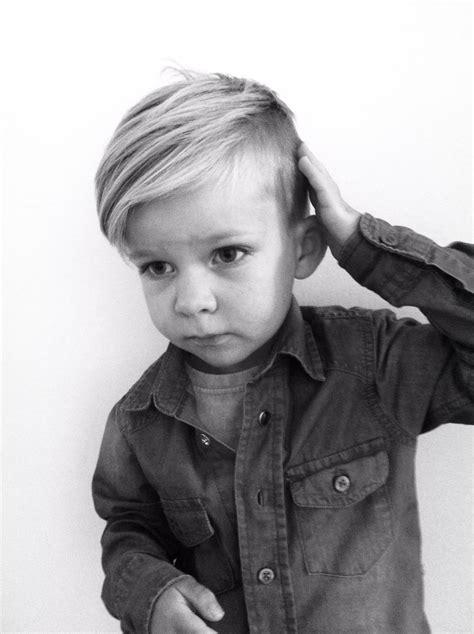 frisur junge kleinkind frisuren frisuren in 2019 frisur kleinkind jungs frisuren und frisur kleinkind junge