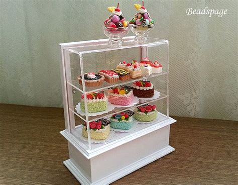 dollhouse miniature bakery set pastry display cabinet cakes patisserie food