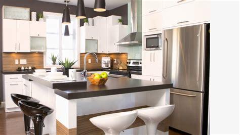 cuisine construction cuisine avec des armoires laquées construction abg