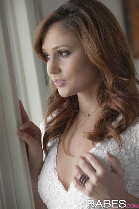 Red Haired Babe Is Thinking About Sex Photos Ariana Marie