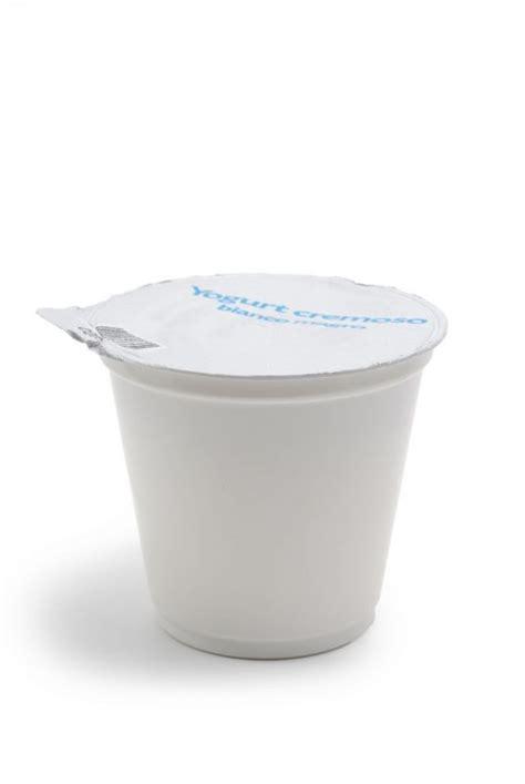 petit pot en plastique awesome petit pot en verre avec couvercle 11 pot plastique jpg thefacehome
