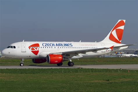 File:CSA Czech Airlines Airbus A319 KvW.jpg - Wikimedia Commons
