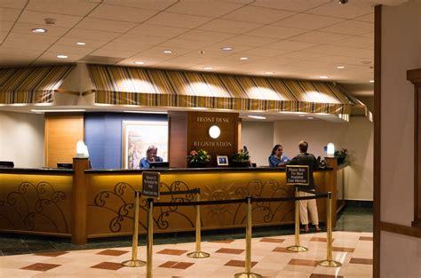 front desk file front desk paradise pier hotel 2014 jpg
