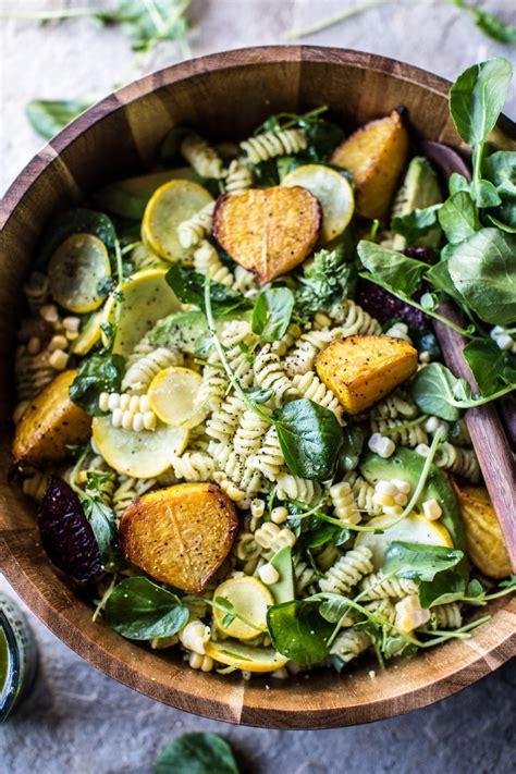 leckere salate rezepte goat cheese roasted beet and basil pasta salad rezept