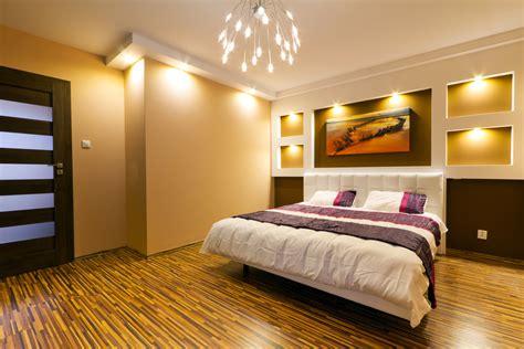 Im Schlafzimmer by Schlafzimmerbeleuchtung Lesele Bis