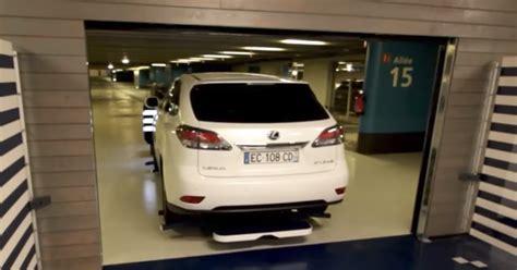robot valet park  car