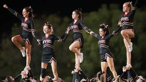 cheerleader hurt  practice   anderson west
