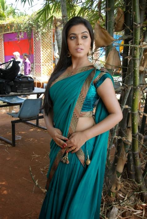 poorna sizzling hot saree pictures poorna navel exposed