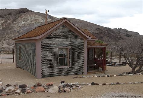 Interior For Homes - tom kelly 39 s bottle house rhyolite
