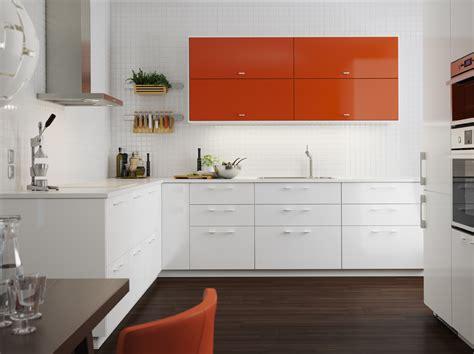 cuisine ikea canada cuisine blanche et vitaminée metod ringhult blanc brillant et järsta orange brillant la