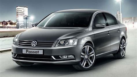 Volkswagen Sports : Volkswagen Passat Sport Rolls In