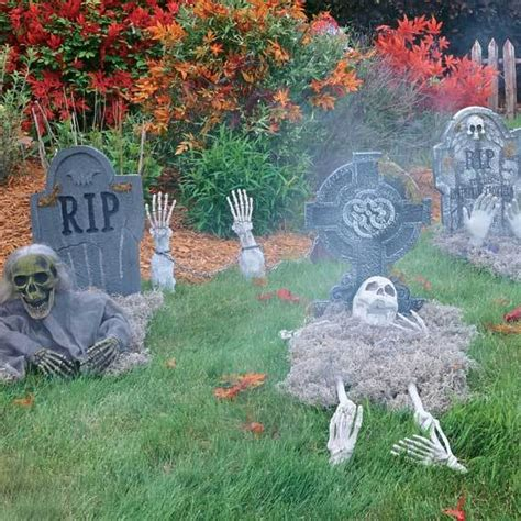 decorating ideas how to haunt your yard