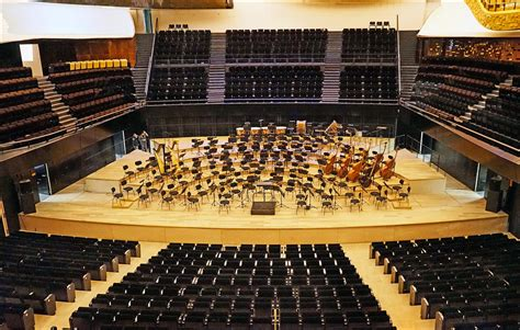 grande salle philharmonie 1 la grande salle de la philharmonie de la sc 232 ne de la flickr