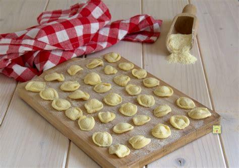 orecchiette fatte in casa ricetta orecchiette fatte in casa ricetta tipica pugliese pasta