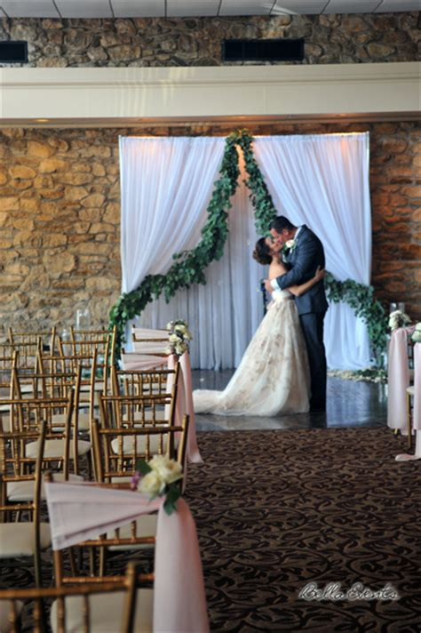 rent drapes for wedding fabric background backdrops pipe n drape wedding