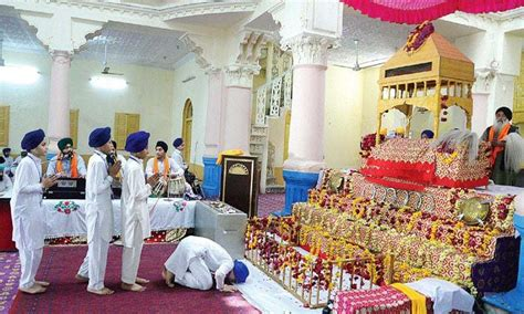 pakistan peshawar   years   sikh temple