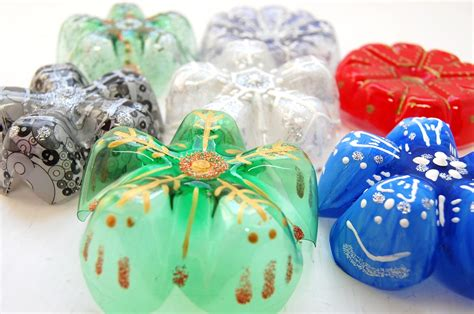 plastic bottle snowflakes diy handmade christmas decorations country love crafts
