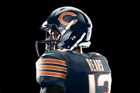 This awesome Chicago Bears-themed tailgating RV can be ...