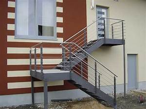 Treppenwangen Holz Kaufen : die besten 25 au entreppe stahl ideen auf pinterest ~ Lizthompson.info Haus und Dekorationen