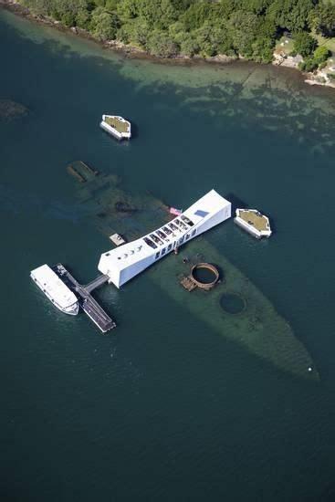 uss arizona memorial pearl harbor oahu hawaii