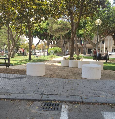 Panchine Prezzi by Arredo Urbano Panchine Prezzi