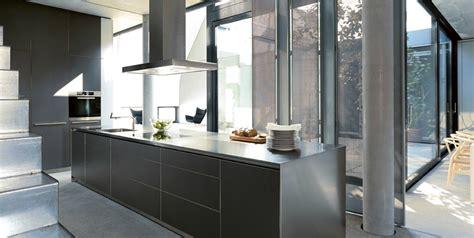 cuisine haut de gamme cuisine amenagee haut de gamme maison design hompot