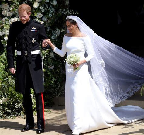 Das hochzeitskleid von meghan markle hat schon vor der großen trauung für viel gesprächsstoff gesorgt. Meghan Markle: So sexy war ihr After-Party Brautkleid nach ...