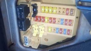 2006 Dodge Dakota Fuse Box