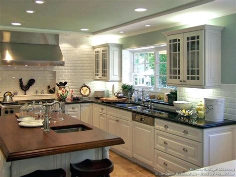 green kitchen walls with white cabinets what wall color goes with green countertops white