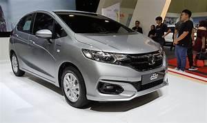 Honda Jazz Hybride 2017 : new honda jazz petrol and hybrid open for bookings carsifu ~ Gottalentnigeria.com Avis de Voitures