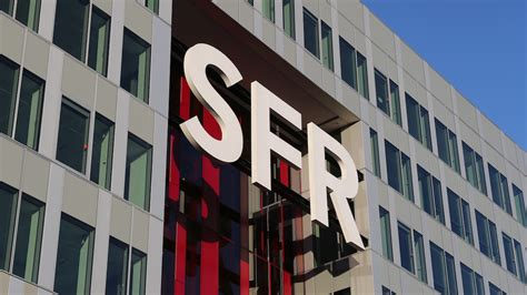 orange siege social orange free et bouygues attaquent sfr en justice chacun