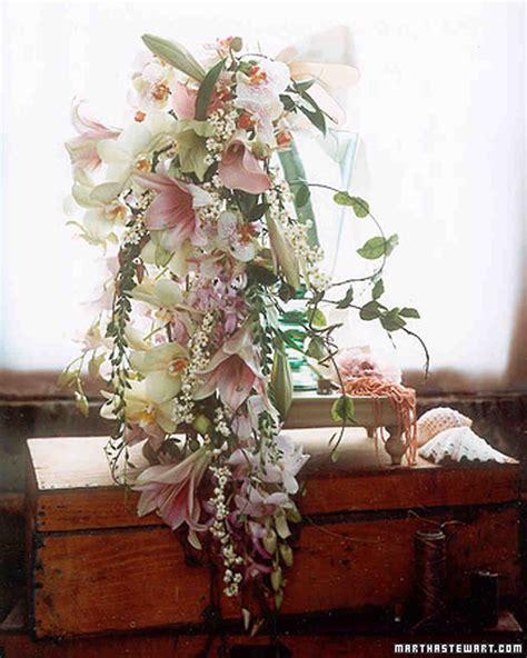 Bouquets With Old World Charm Martha Stewart Weddings