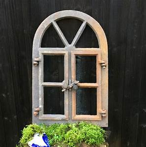 Glasscheiben Für Zimmertüren : antik fenster als h bsche dekoration f r ihre mauer zur terrasse ~ Sanjose-hotels-ca.com Haus und Dekorationen