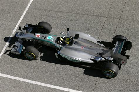 Available for hd, 4k, 5k desktops and mobile phones. MERCEDES F1 W04 2013 - Foto 10/62