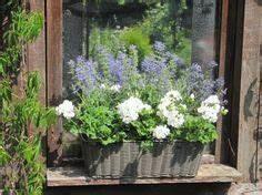 Balkonkästen Gestalten Ohne Blumen : balkon ideen balkonk sten bepflanzen dreimal anders balkonkasten pinterest ~ Bigdaddyawards.com Haus und Dekorationen